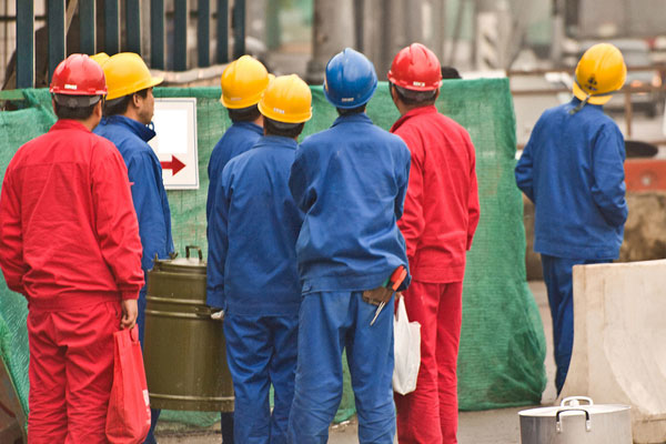 Clamp on expat work permits in Bahrain