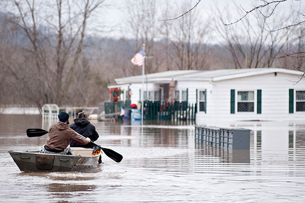 Record Flooding Hits Us Midwest 24 Dead