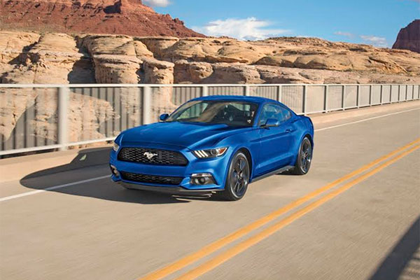 ford mustang best selling sports car in the world. Black Bedroom Furniture Sets. Home Design Ideas