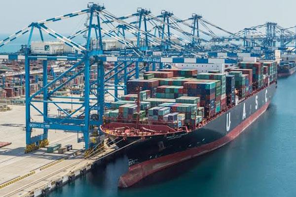 UAE's non-oil trade hits $420 billion in 2016