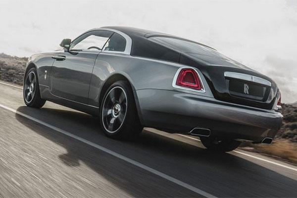 average price for used car tops 36 000 in dubai. Black Bedroom Furniture Sets. Home Design Ideas