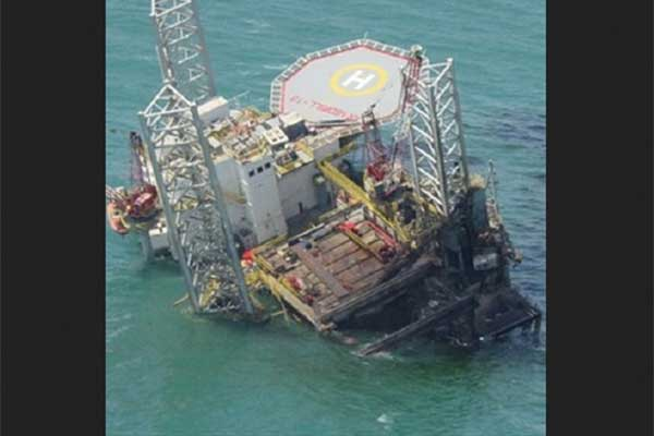 Wreck removal of Jack Up barge offshore Abu Dhabi.