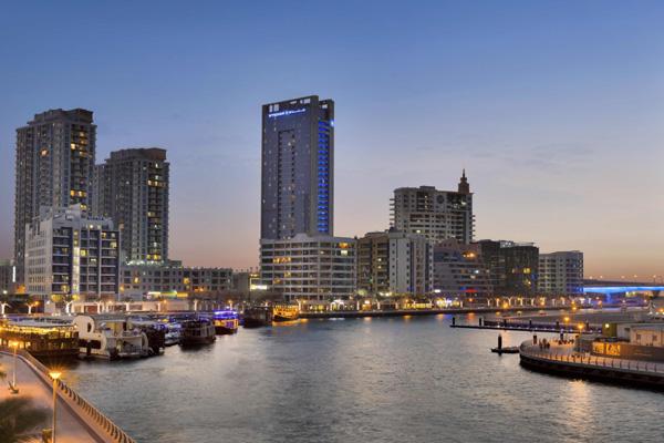 Beat the heat with wyndham dubai marina for Beat hotel in dubai